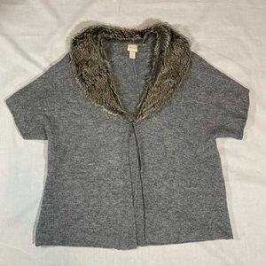 Chicos Gray Short Sleev Cape Sweater Fur Collar XL